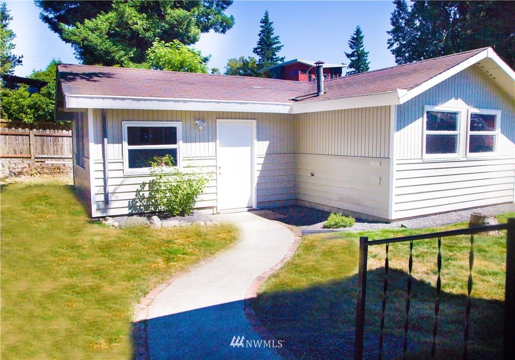 Sold Property | 10408 California Avenue SW Seattle, WA 98146 5