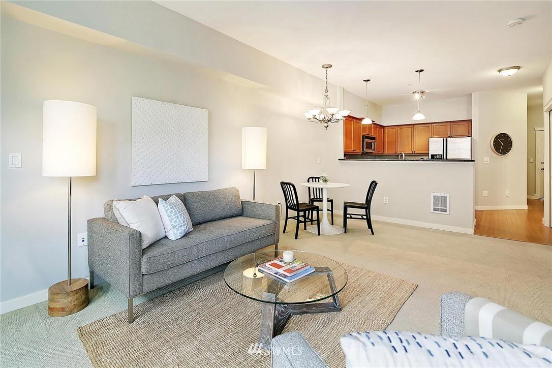 Sold Property | 530 4th Avenue W #406 Seattle, WA 98119 3