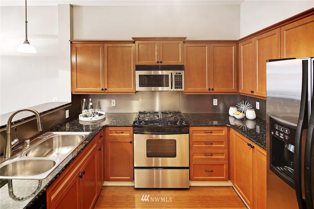 Sold Property | 530 4th Avenue W #406 Seattle, WA 98119 4