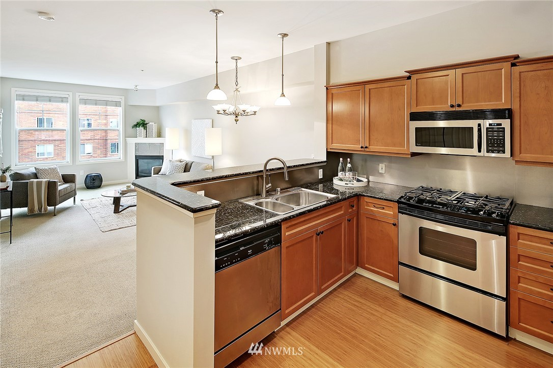 Sold Property | 530 4th Avenue W #406 Seattle, WA 98119 5