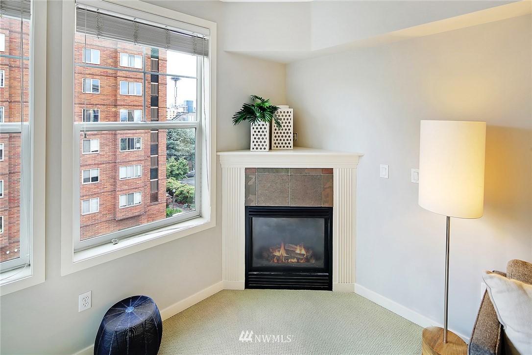 Sold Property | 530 4th Avenue W #406 Seattle, WA 98119 6
