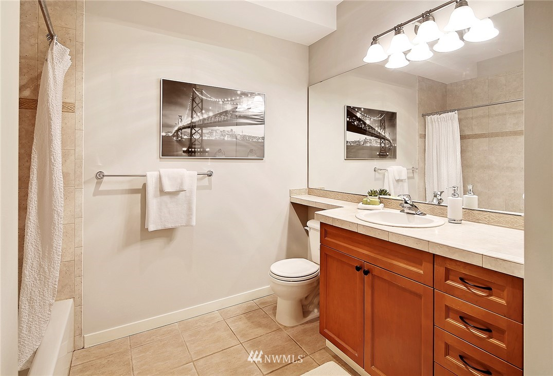 Sold Property | 530 4th Avenue W #406 Seattle, WA 98119 8