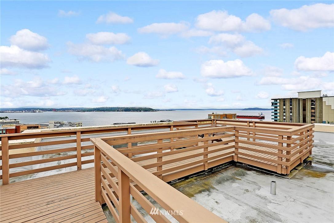 Sold Property | 530 4th Avenue W #406 Seattle, WA 98119 12