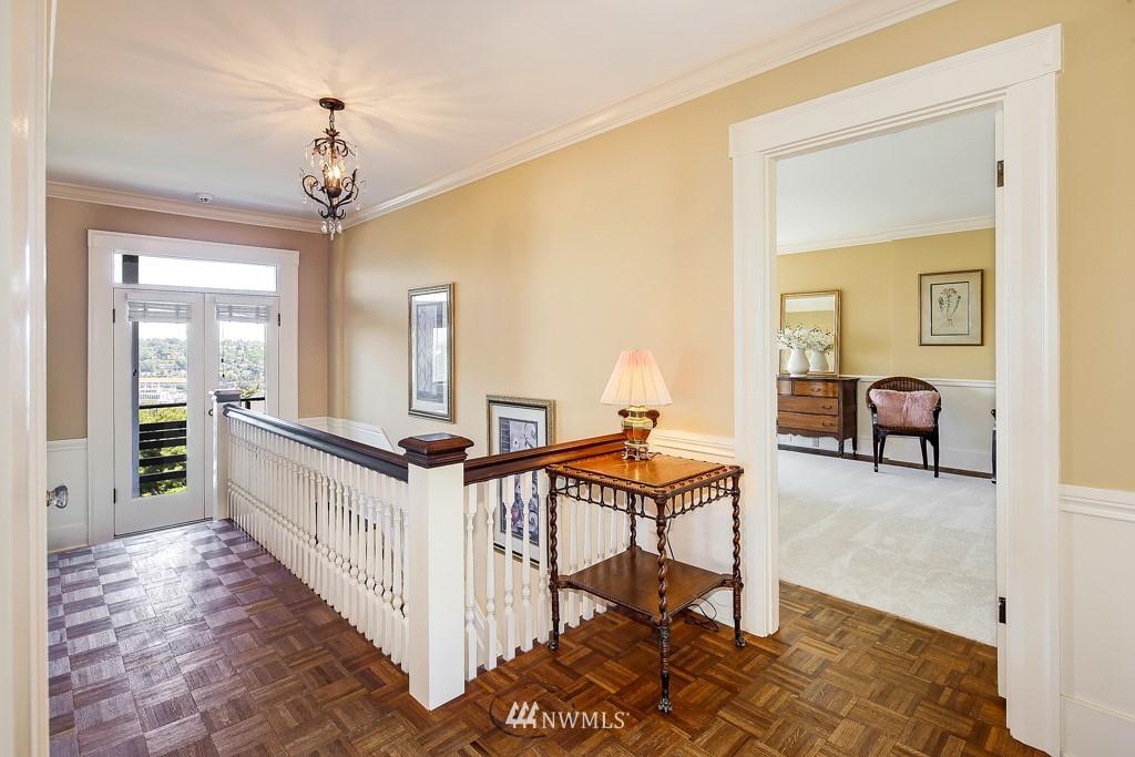 Sold Property | 1518 4th Avenue N Seattle, WA 98109 9