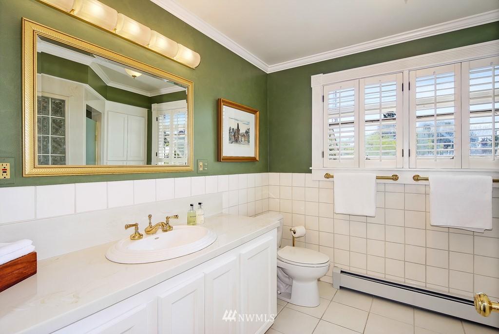 Sold Property | 1518 4th Avenue N Seattle, WA 98109 16