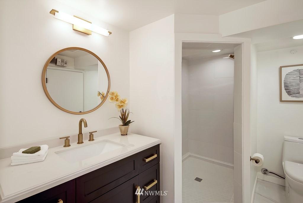 Sold Property | 1518 4th Avenue N Seattle, WA 98109 17