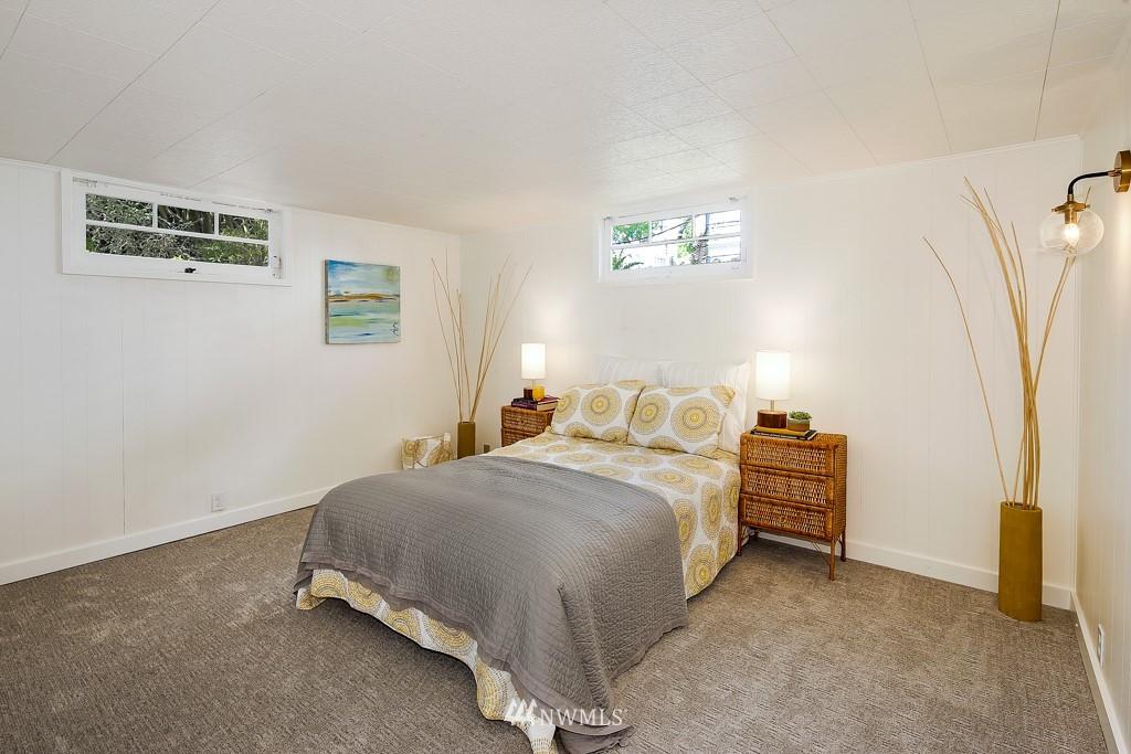 Sold Property | 1518 4th Avenue N Seattle, WA 98109 20