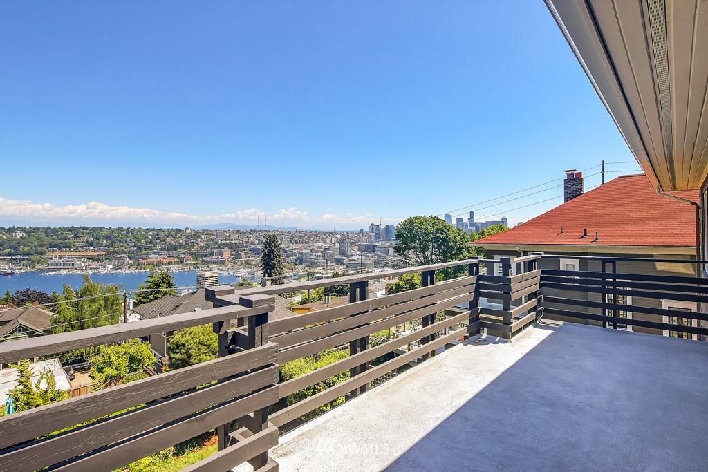 Sold Property | 1518 4th Avenue N Seattle, WA 98109 22