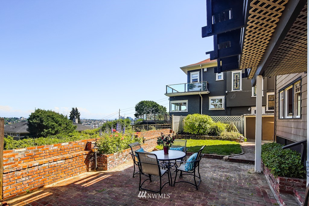 Sold Property | 1518 4th Avenue N Seattle, WA 98109 23