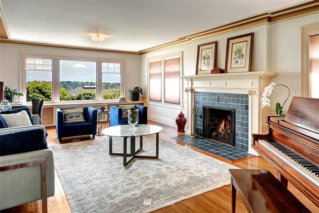 Sold Property | 1518 4th Avenue N Seattle, WA 98109 4