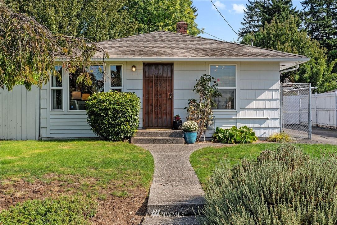 Sold Property   11148 Beacon Avenue S Seattle, WA 98178 19