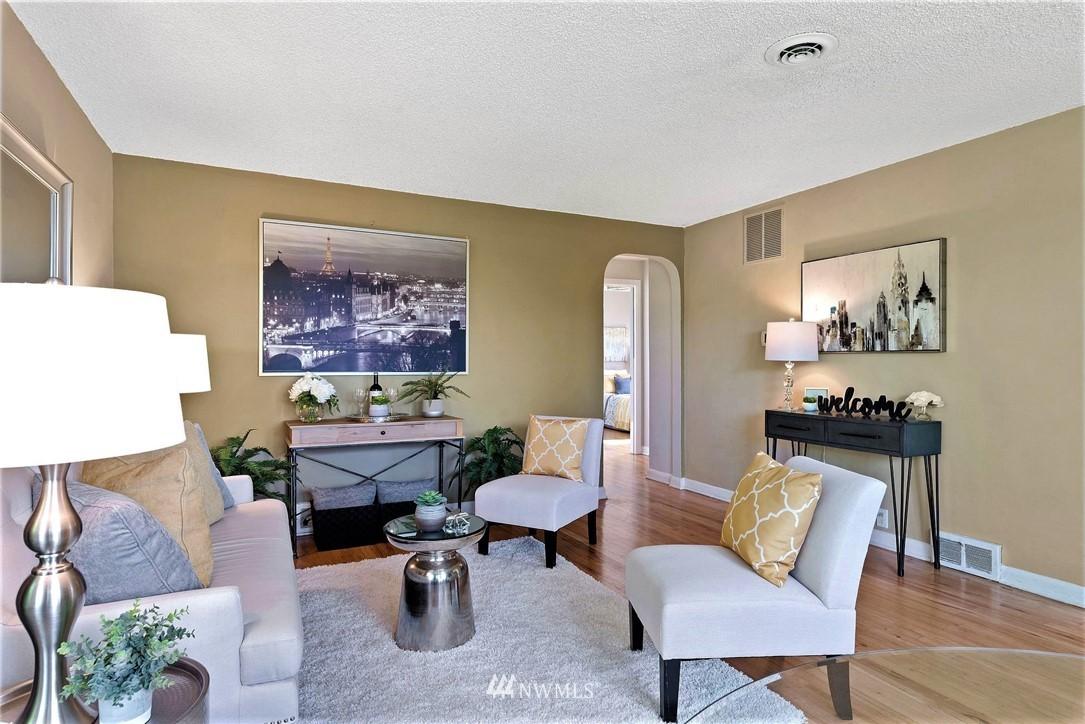 Sold Property | 11148 Beacon Avenue S Seattle, WA 98178 4