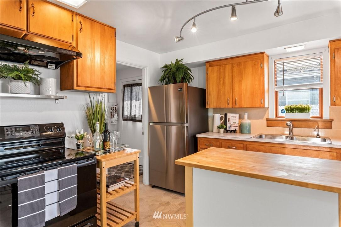 Sold Property   11148 Beacon Avenue S Seattle, WA 98178 5