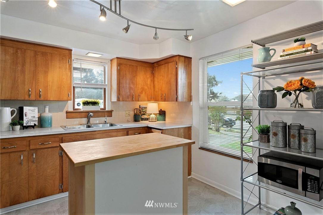 Sold Property   11148 Beacon Avenue S Seattle, WA 98178 6