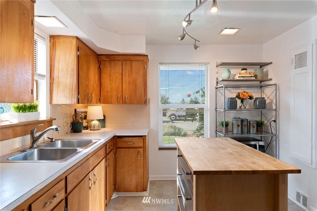 Sold Property   11148 Beacon Avenue S Seattle, WA 98178 7