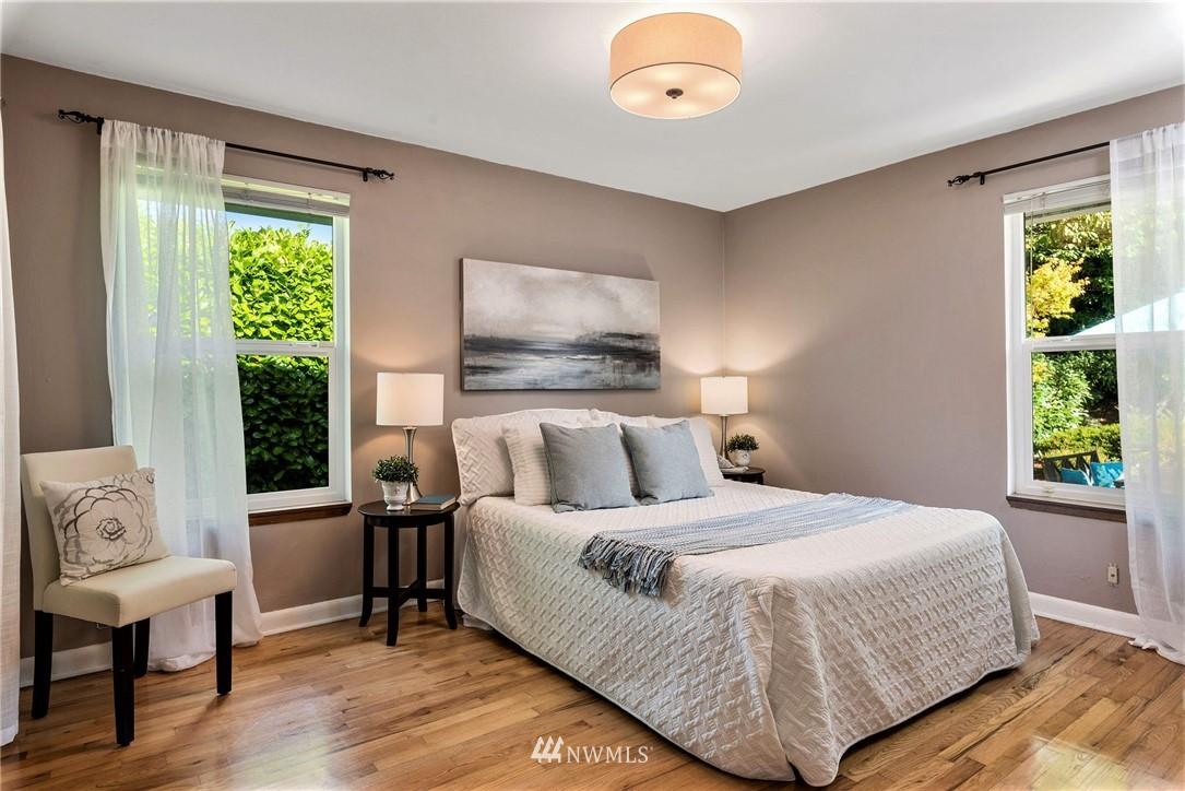 Sold Property   11148 Beacon Avenue S Seattle, WA 98178 10