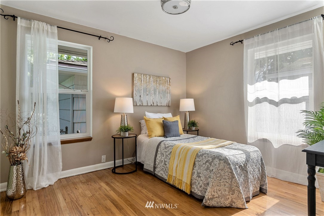 Sold Property   11148 Beacon Avenue S Seattle, WA 98178 14
