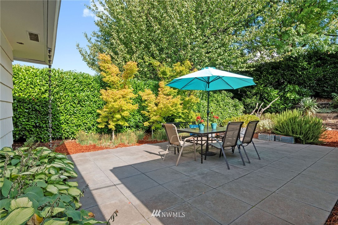 Sold Property   11148 Beacon Avenue S Seattle, WA 98178 15