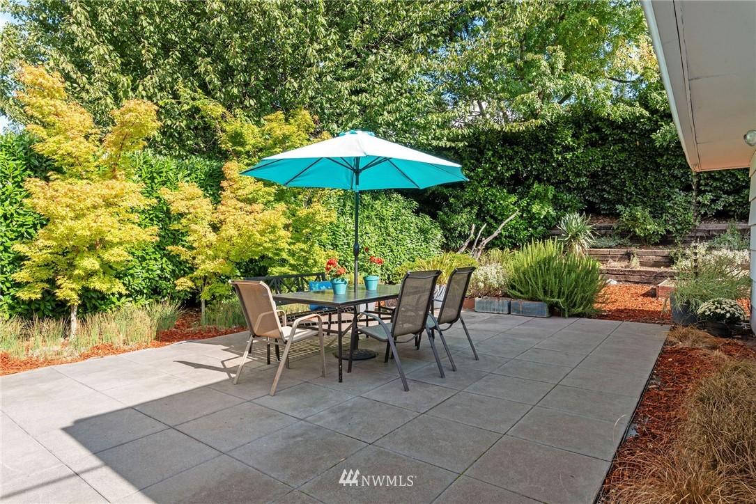 Sold Property   11148 Beacon Avenue S Seattle, WA 98178 16
