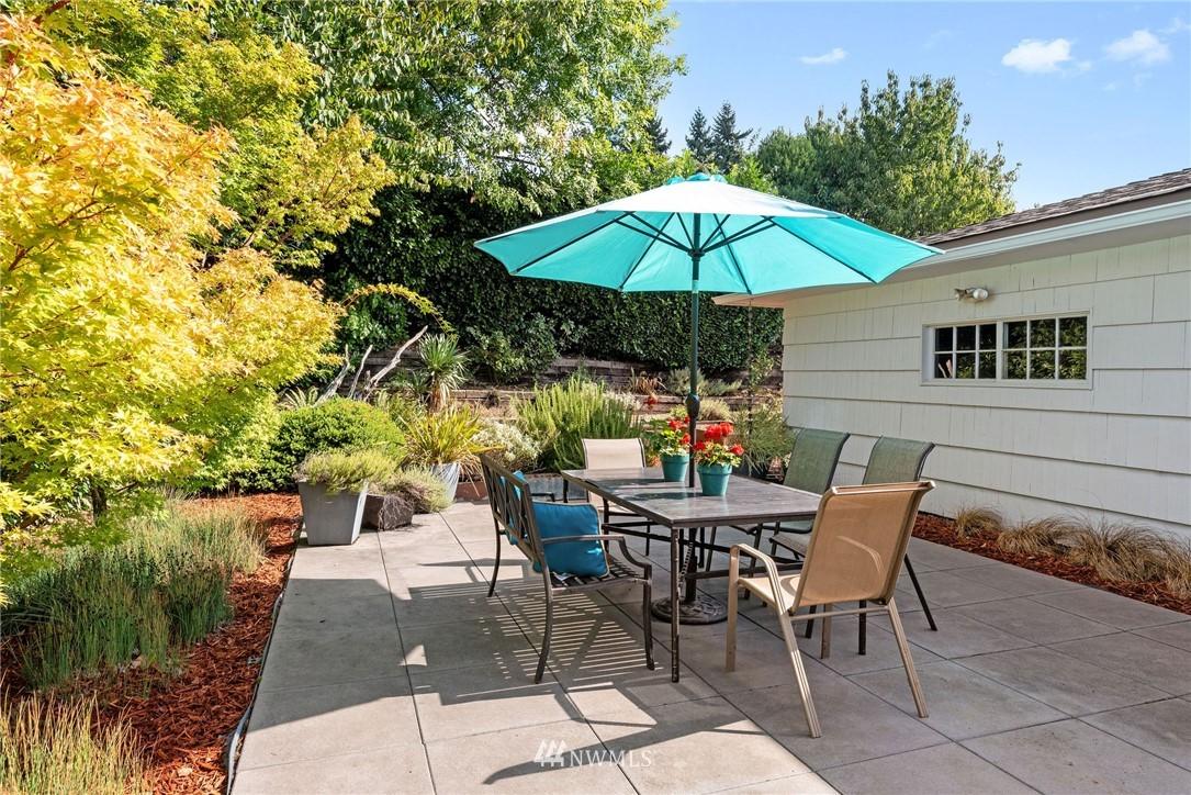 Sold Property   11148 Beacon Avenue S Seattle, WA 98178 17