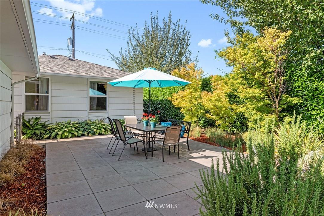 Sold Property   11148 Beacon Avenue S Seattle, WA 98178 18