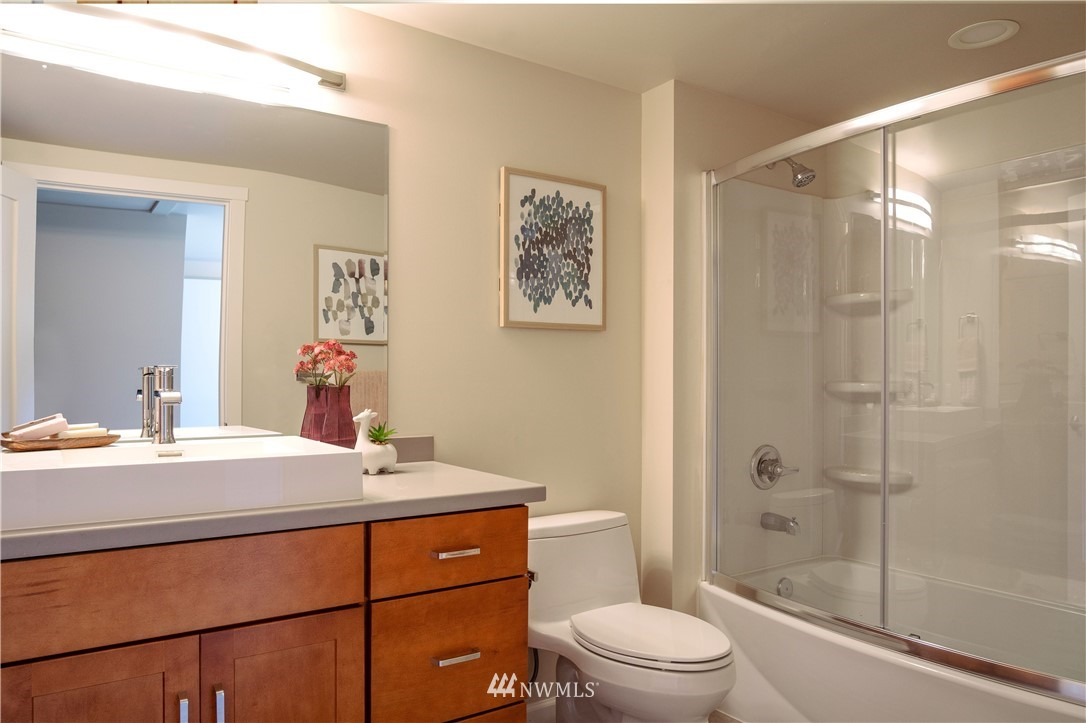 Sold Property | 4832 26th Avenue SW Seattle, WA 98106 11