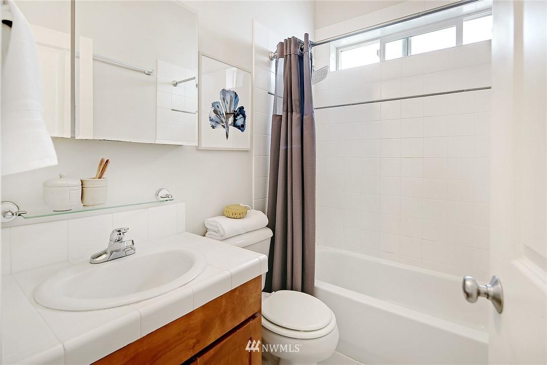 Sold Property   4614 Interlake Avenue N Seattle, WA 98103 7