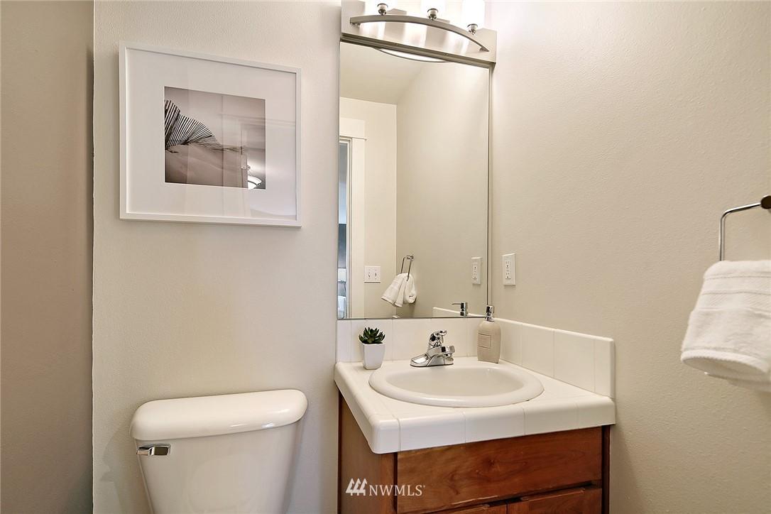 Sold Property   4614 Interlake Avenue N Seattle, WA 98103 9