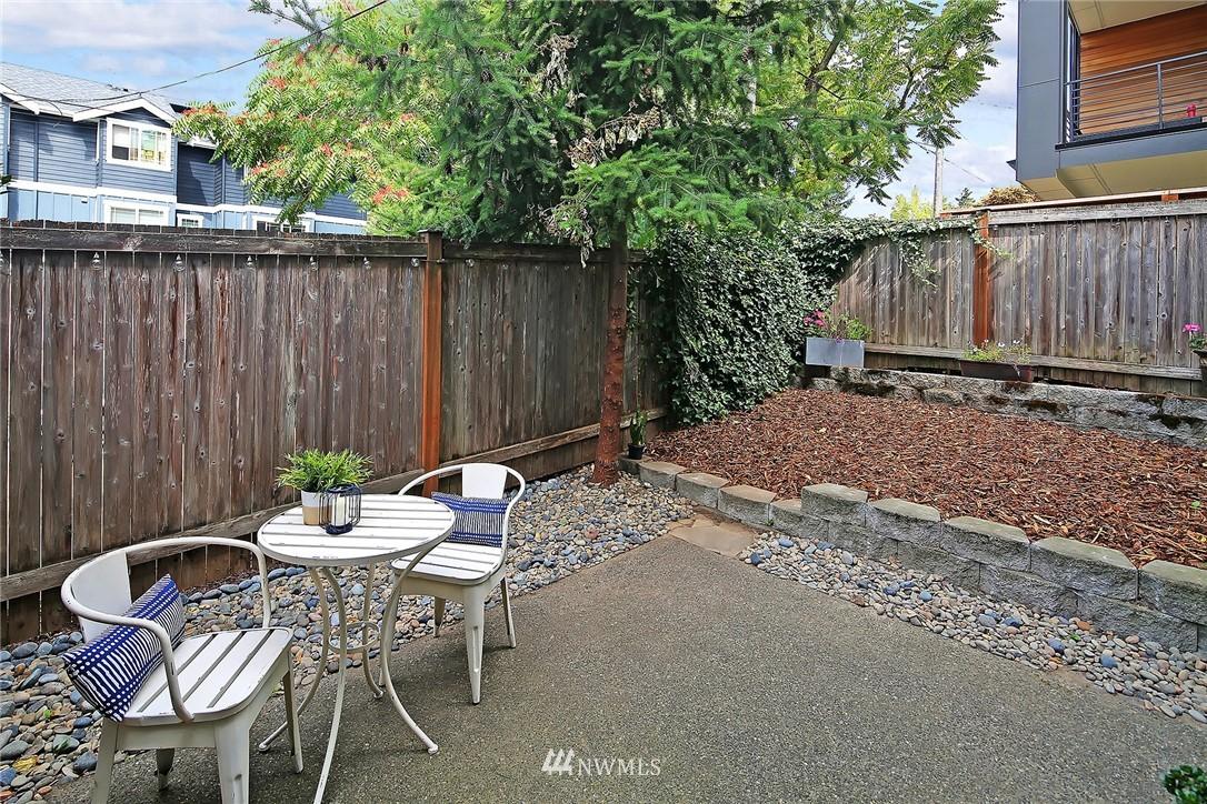 Sold Property   4614 Interlake Avenue N Seattle, WA 98103 11