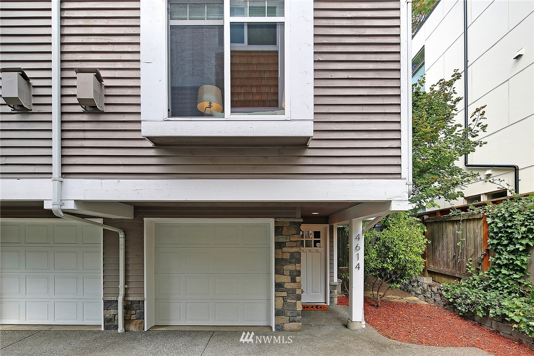 Sold Property   4614 Interlake Avenue N Seattle, WA 98103 12