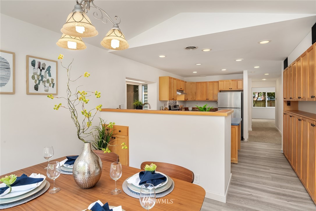 Sold Property | 11511 19th Avenue NE Seattle, WA 98125 7
