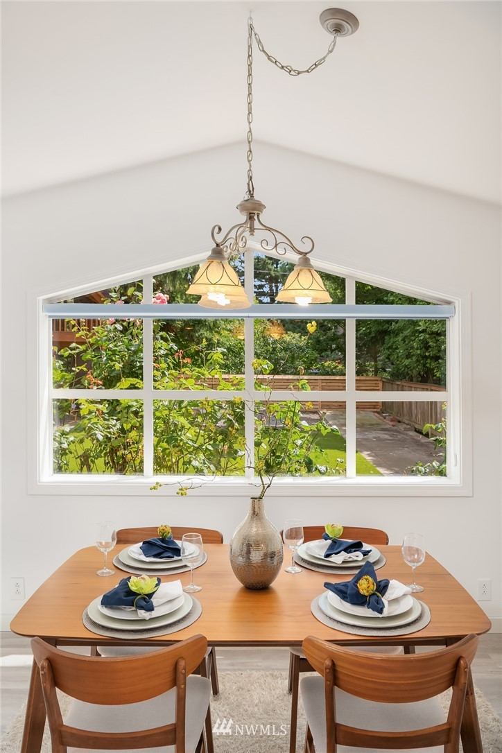 Sold Property | 11511 19th Avenue NE Seattle, WA 98125 5
