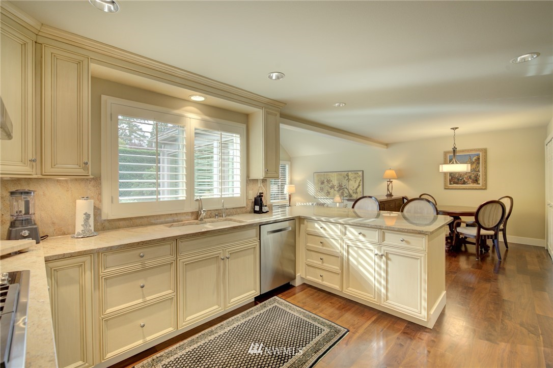 Sold Property   1714 Bellevue Way NE Bellevue, WA 98004 9