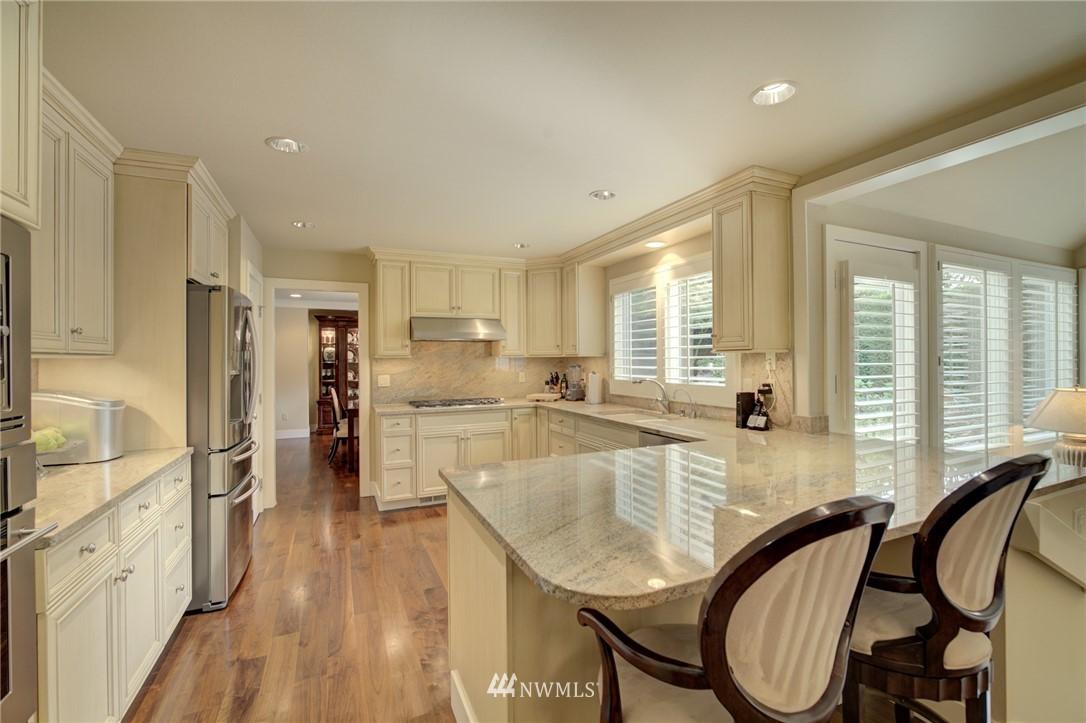 Sold Property   1714 Bellevue Way NE Bellevue, WA 98004 10