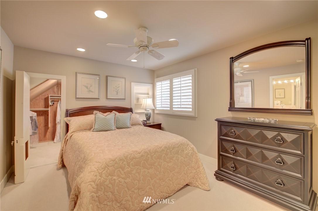 Sold Property   1714 Bellevue Way NE Bellevue, WA 98004 18