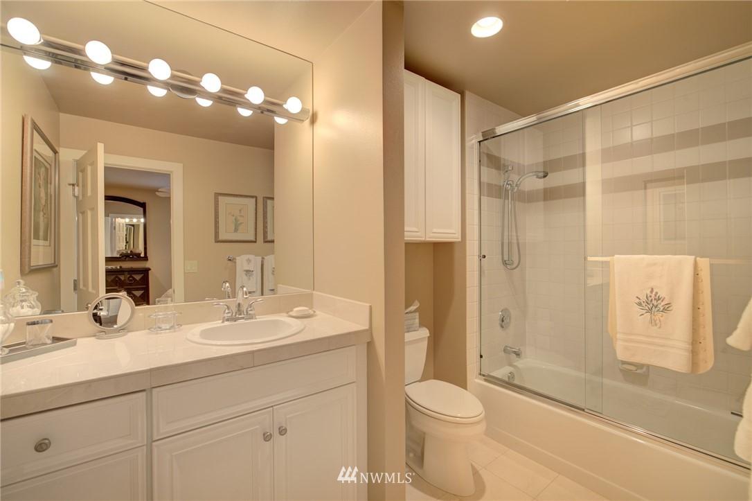 Sold Property   1714 Bellevue Way NE Bellevue, WA 98004 19