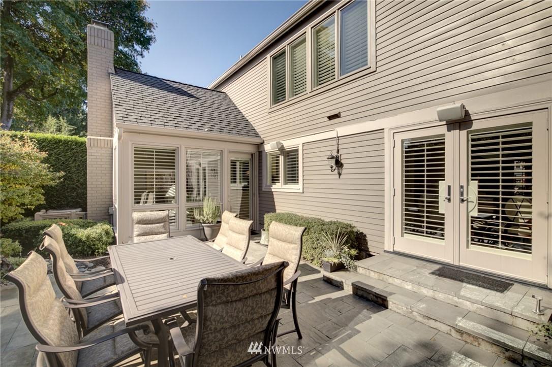 Sold Property   1714 Bellevue Way NE Bellevue, WA 98004 21