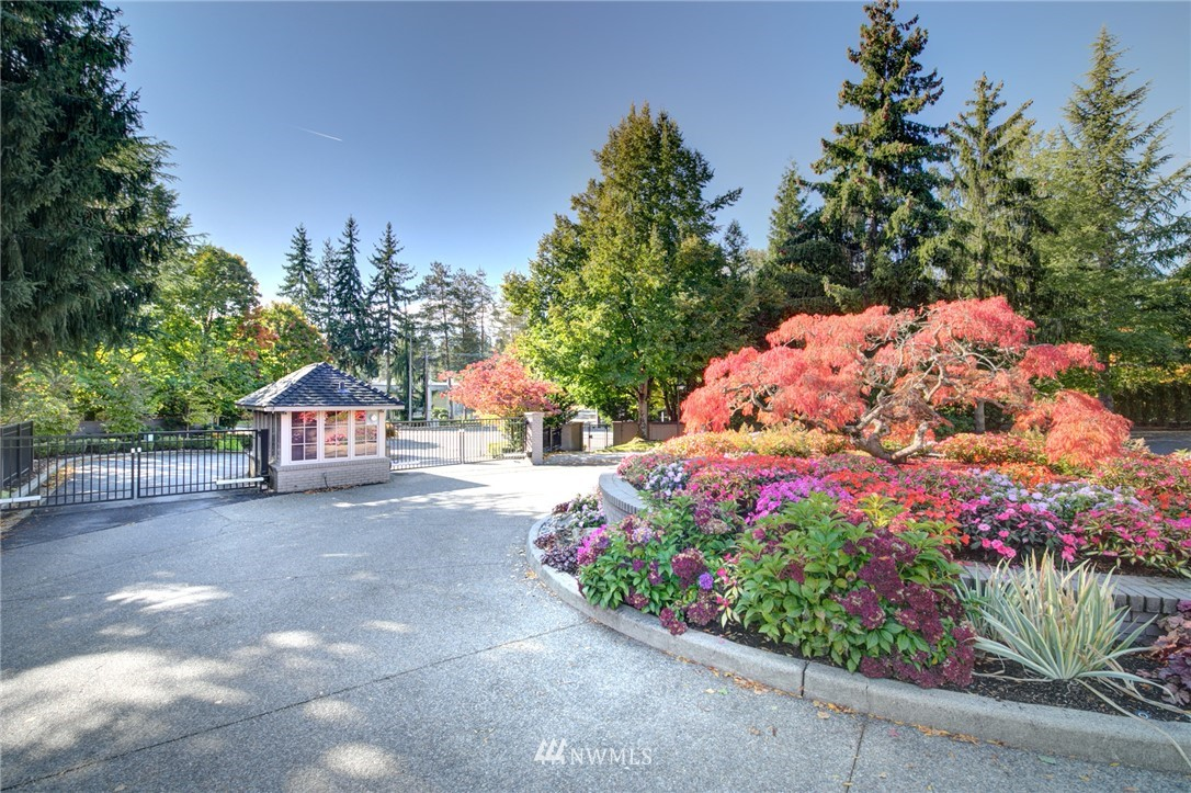 Sold Property   1714 Bellevue Way NE Bellevue, WA 98004 23