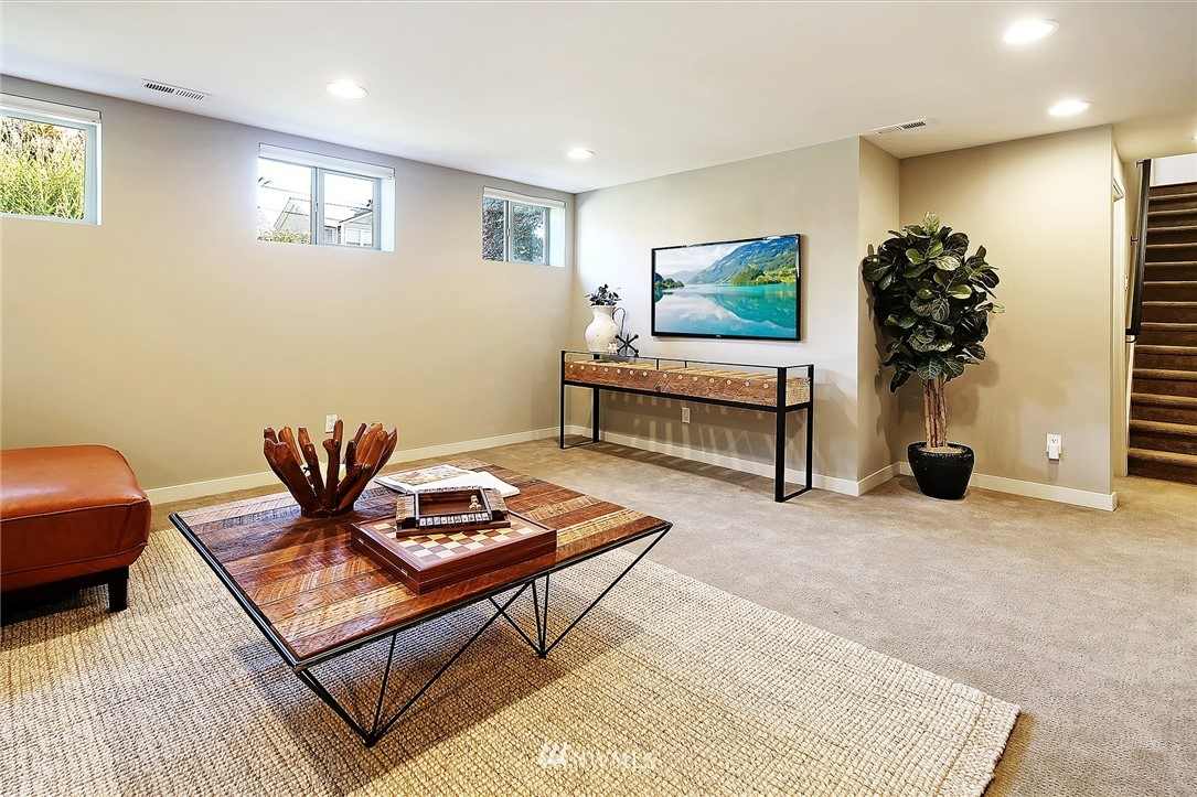 Sold Property   1203 NW 70th Street Seattle, WA 98117 13