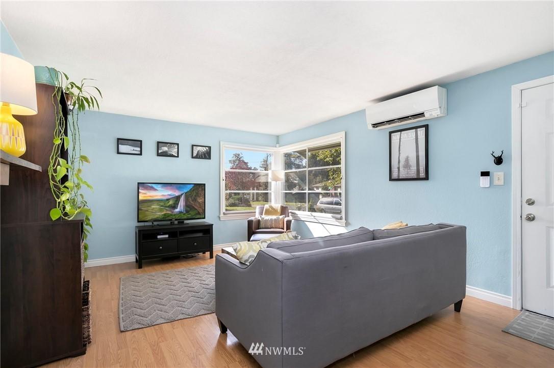 Sold Property   11332 12th Avenue NE Seattle, WA 98125 1