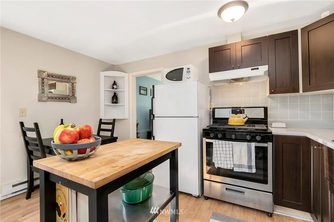 Sold Property   11332 12th Avenue NE Seattle, WA 98125 5