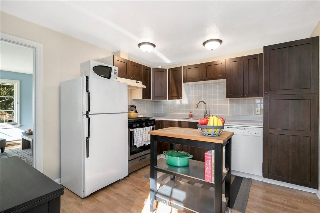 Sold Property   11332 12th Avenue NE Seattle, WA 98125 6
