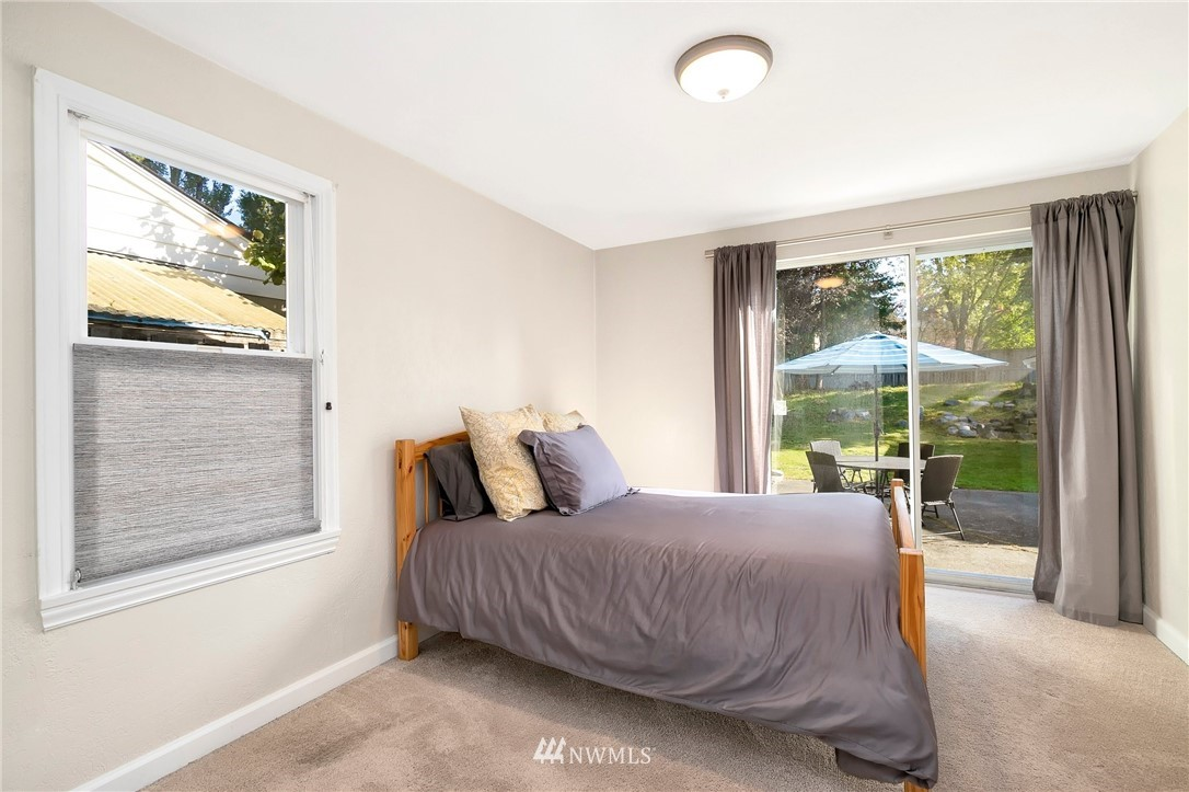 Sold Property   11332 12th Avenue NE Seattle, WA 98125 8