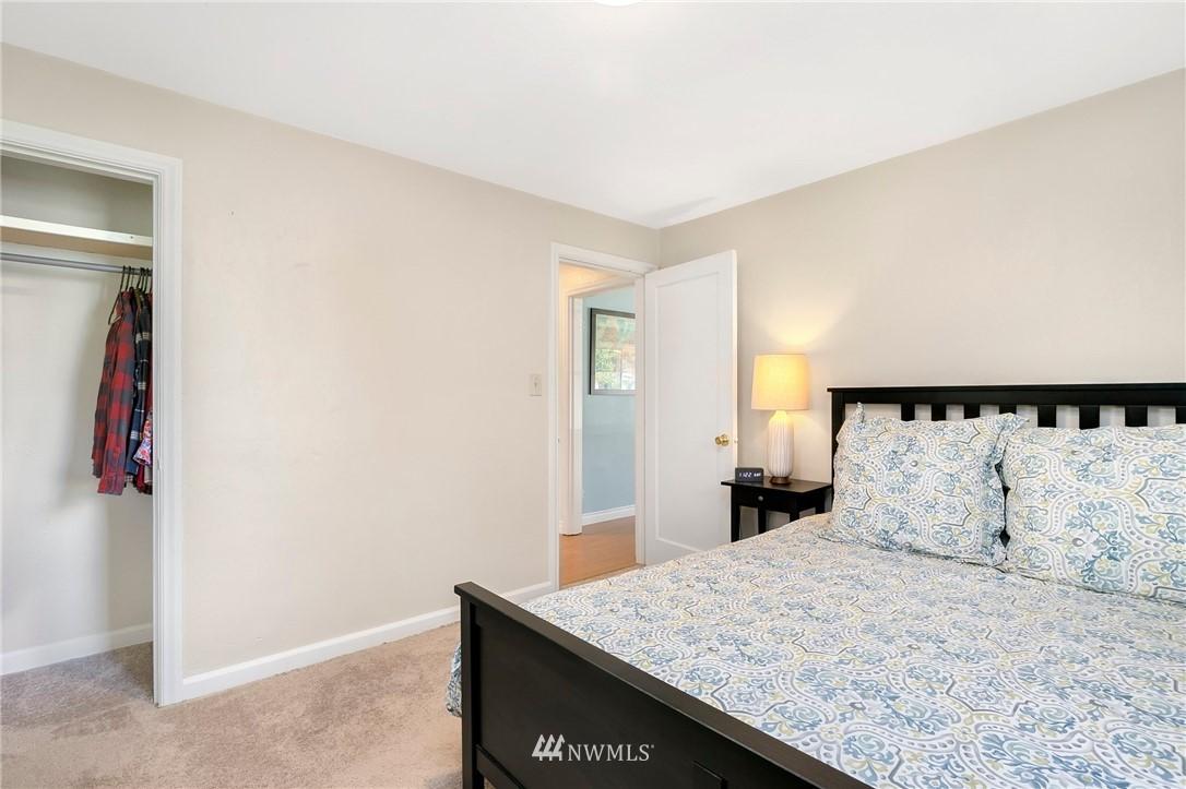 Sold Property   11332 12th Avenue NE Seattle, WA 98125 10