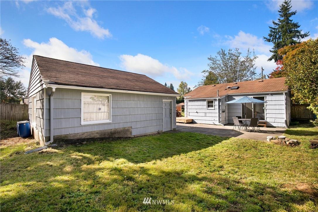 Sold Property   11332 12th Avenue NE Seattle, WA 98125 15