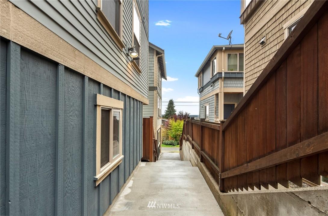 Sold Property | 1735 13th Avenue S #A Seattle, WA 98144 21