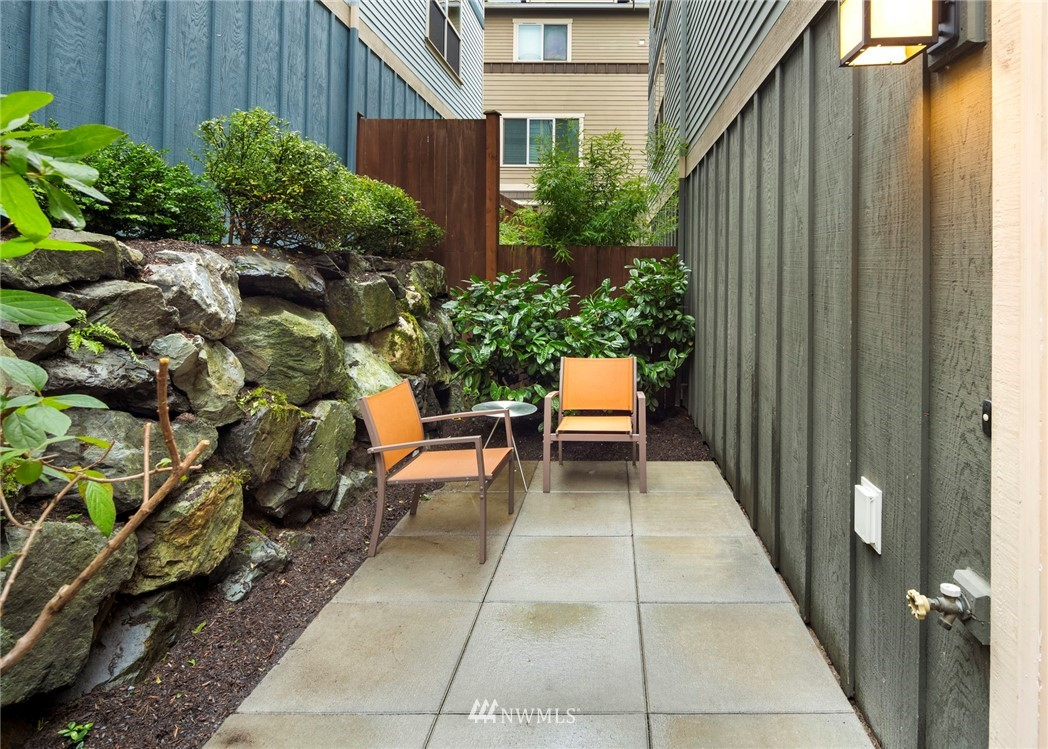 Sold Property | 1735 13th Avenue S #A Seattle, WA 98144 20