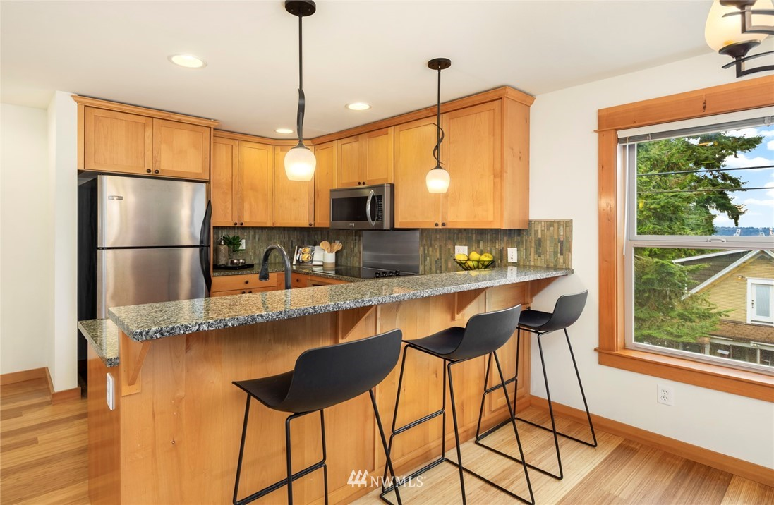 Sold Property | 1735 13th Avenue S #A Seattle, WA 98144 3