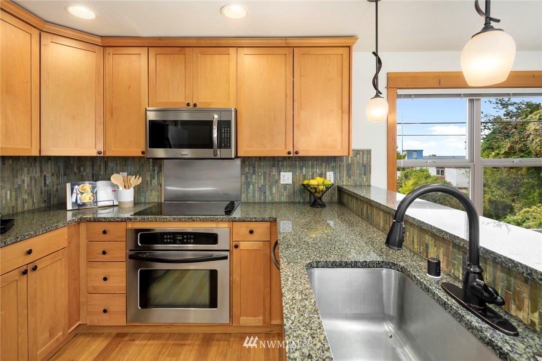 Sold Property | 1735 13th Avenue S #A Seattle, WA 98144 4