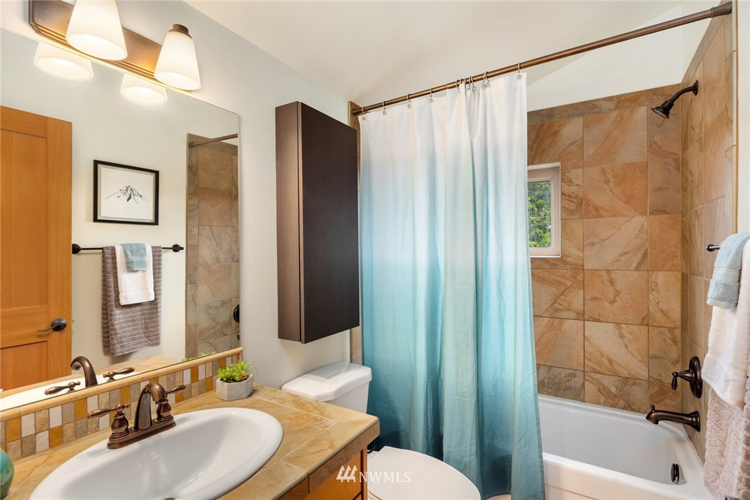 Sold Property | 1735 13th Avenue S #A Seattle, WA 98144 12